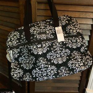 NWT Vera Bradley medium traveler /weekend bag